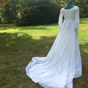 Vtg 70s Appliqué Chiffon Renaissance Wedding Gown